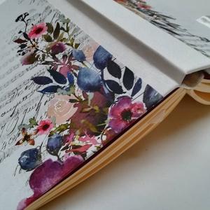Aqurell virágos napló, hangjegyekkel- egyedi napló arany könyvsarokkal és szatén masnival, Otthon & Lakás, Papír írószer, Jegyzetfüzet & Napló, Könyvkötés, A napló kézi kötéssel készült. A belső lapok 80gr- os csontszínűek, üresek, ezzel rengeteg teret adn..., Meska