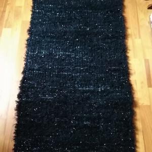 Rongyszőnyeg 65 x 200, Szőnyeg, Lakástextil, Otthon & Lakás, Szövés, Hagyományos szövőszéken szőtt fekete színű pamut rongyszőnyeg óarany szálakkal.\nMérete: 65cm x 200cm..., Meska
