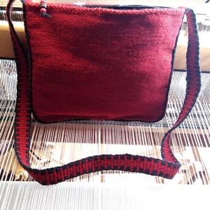 Gyapjú tarisznya 22x27 piros-fekete (Kezzelszott) - Meska.hu