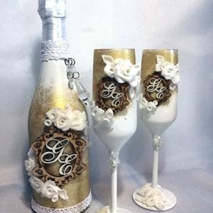 Gold roses szett, Asztaldísz, Dekoráció, Esküvő, Gyurma, Egyedi díszítéssel ellátott esküvői szett az ifjú pár monogramjával ellátva.\n\nSzerelmes pároknak elj..., Meska