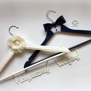 Esküvői vállfa, Esküvő, Nászajándék, Táska, Divat & Szépség, Festészet, Festett tárgyak, Névre szóló vállfa, amin a menyasszonyi ruhát tartod a nagy napig, vagy a kedvesed leped meg.\nNászaj..., Meska