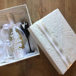 Csipke esküvői  szett , Tálalás, Dekoráció, Esküvő, Gyurma, Egyedi díszítéssel ellátott esküvői álom szett.\n\nBármilyen színösszeállításban kérhető.\nTalp részre ..., Meska