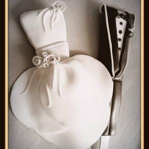 Evőeszközök, Esküvő, Nászajándék, Esküvői dekoráció, Otthon & lakás, Konyhafelszerelés, Gyurma, Az evőeszközök díszítéséhez süthető gyurmát használok!\nSzín,fazon variálható.\nAz evőeszközök kézzel ..., Meska