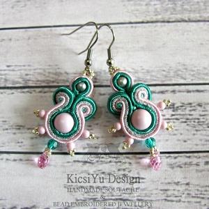 Rózsaszín ezüst smaragd zöld elegáns sujtás fülbevaló, Esküvő, Ékszer, Esküvői ékszer, Fülbevaló, Ékszerkészítés, Elegáns sujtás fülbevaló halvány rózsaszín, smaragdzöld és ezüst színben.  A készítésnél felhasznál..., Meska