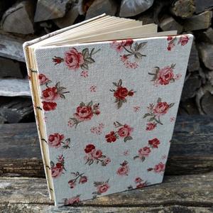 Rózsás kávés könyv, Művészet, Más művészeti ág, Könyvkötés, A5-ös méretű, rózsás borítójú, egyszerű nyitott gerinces könyv, kávéba áztatott lapokkal! A kávé és ..., Meska