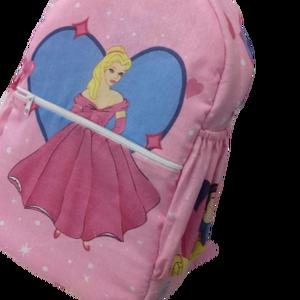 Gyermek hátitáska, Kishátizsák, Hátizsák, Táska & Tok, Varrás, Textilből készült, tartós, több fiókos, gyermekmintás hátitáska, melyben kényelmesen elfér minden. K..., Meska