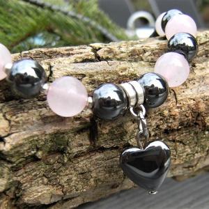 Rózsakvarc + matt és fényes hematit egyedi női nyaklánc / ásványnyaklánc szív medállal éál12, Ékszer, Nyaklánc, Gyöngyös nyaklác, Gyöngyfűzés, gyöngyhímzés, Ékszerkészítés, Matt 4 x 5 mm-es hematit hengerek, valamint  8 mm-es fényes hematit és rózsakvarc gyöngy alkotják ez..., Meska