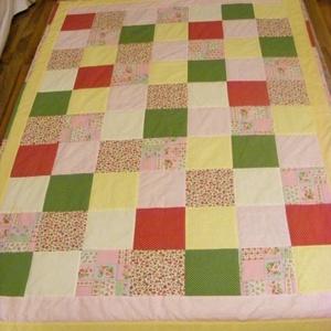 Zöld-sárga-rózsaszín,patchwork takaró 16x16cm-es kockákból, falvédőnek is alk. (kincsesmomka) - Meska.hu