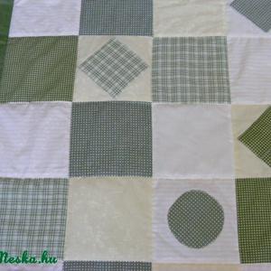 Zöld kockás patchwork takaró, falvédő szettben (kincsesmomka) - Meska.hu