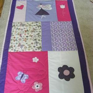 Tündéres patchwork takaró, falvédőnek is alkalmas, Ágynemű, Lakástextil, Otthon & Lakás, Varrás, Patchwork, foltvarrás, Egy hasznos takaró lányoknak\nméret: 160x85cm\nEz a takaró alkalmas ágy letakarására és takarózásra is..., Meska