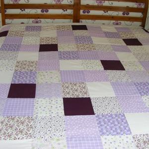 Patchwork takaró, lila-padlizsán, kisvirágos, nagy méretű (kincsesmomka) - Meska.hu