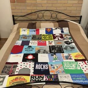 Patchwork takaró egyedi pólókból, baby body-ból, rugikból, Otthon & lakás, Lakberendezés, Lakástextil, Falvédő, Takaró, ágytakaró, méret: 170x130cm Ez a takaró az általad előkészített pólóból, vagy rugdalózóból készülne. Alkalmas á..., Meska