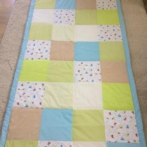 patchwork takaró falvédő fiúknak kockákból felhős mintával, Otthon & Lakás, Falvédő, Lakástextil, Varrás, Meska