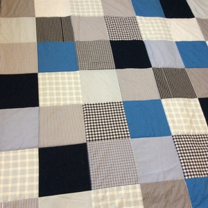 Kék patchwork takaró apró kockákból  (kincsesmomka) - Meska.hu