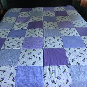 Patchwork takaró falvédő levendula lila kisvirágos, Otthon & lakás, Lakberendezés, Lakástextil, Falvédő, Takaró, ágytakaró, Varrás, Patchwork, foltvarrás, Patchwork takaró, lila kisvirágos, nagy méretű,\nMérete: 200x140cm.\n\nPatchwork módszerrel készült, va..., Meska