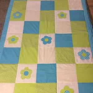 patchwork  takaró, falvédő, türkiz-zöld, virágmintával - Meska.hu