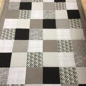 patchwork takaró falvédő fiúknak kockákból, Otthon & Lakás, Lakástextil, Falvédő, Varrás, Meska