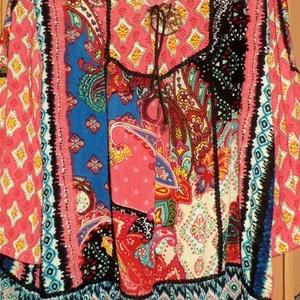 Hippikultúra, Táska, Divat & Szépség, Ruha, divat, Női ruha, Ruha, Foltberakás, Varrás, Könnyű gézből készült,mintás,bohém tunika\nTrapéz  szabással,fekete csipke rátétekkel,\nnyaknál nagy m..., Meska