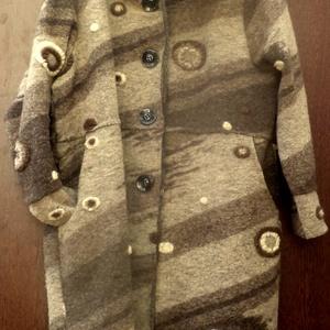 Tél végi barangolás-AKCIÓ 20%, Táska, Divat & Szépség, Ruha, divat, Női ruha, Póló, felsőrész, Kabát, Varrás, Foltberakás, Különleges mintázatú,átmeneti kabát.\nMagasított,széles nyakkal. \n(A kabát átalakítással készült,lerö..., Meska