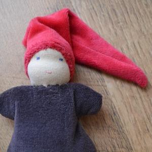 Barna ruhás waldorf marok manó  (Kingarts) - Meska.hu