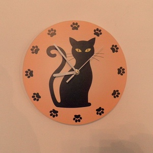 Macskás falióra, Lakberendezés, Otthon & lakás, Falióra, óra, Dekoráció, Fotó, grafika, rajz, illusztráció, Famegmunkálás, Saját tervezésű falióra. Önálló grafikai tervezés és kivitelezés, beleértve a kivágást is.\nTéma: Cic..., Meska