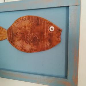 Terrakotta halacskák, Otthon & lakás, Dekoráció, Festészet, Festett tárgyak, Saját tervezésű és kivitelezésű terrakotta halacskák pasztell kék keretben.\nSzépen mutatnak a szoba ..., Meska