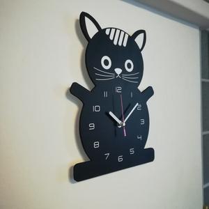 Macskás falióra, Lakberendezés, Otthon & lakás, Falióra, óra, Dekoráció, Fotó, grafika, rajz, illusztráció, Famegmunkálás, Fekete macska falióra.\n\nAranyos kis bunfordi fekete macska ábrázolás. Szép dísze lehet a gyerekszobá..., Meska