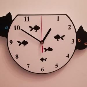 """Macskás- akváriumos falióra, Lakberendezés, Otthon & lakás, Falióra, óra, Festett tárgyak, Fotó, grafika, rajz, illusztráció, Saját tervezésű asztali óra.  Kivitelezés és kivágás saját kezűleg történik.\nA két \""""ijedt\"""" kismacska..., Meska"""