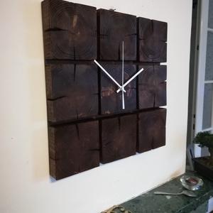 Fából készült falióra, Otthon & Lakás, Dekoráció, Falióra & óra, Famegmunkálás, Festett tárgyak, Saját tervezésű falióra. Önálló tervezés és kivitelezés, beleértve a kivágást is.\nTéma:  gerendafábó..., Meska
