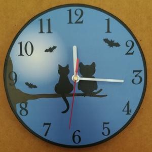 Macskás -baglyos óra, Otthon & Lakás, Falióra & óra, Dekoráció, Famegmunkálás, Festett tárgyak, Macskás-baglyos falióra. A két jóbarát csücsül a faágon az éj leple alatt. Saját grafikai tervezés ..., Meska