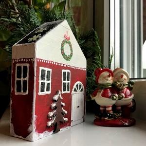 A Télapó házikója - asztali dekoráció, ablakdekor, Karácsony, Karácsonyi lakásdekoráció, Karácsonyi falu, házikó, Festészet, Meska