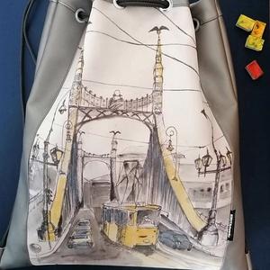 Unisex Budapest hátizsák a Szabadság híddal, Táska & Tok, Hátizsák, Hátizsák, Varrás, Erre a táskára a Szabadság hídat és a kanyarodó 47-es villamost ábrázoló aquarellem nyomata került.\n..., Meska