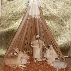 Nagy csuhé betlehem , Karácsony & Mikulás, Karácsonyi dekoráció, Baba-és bábkészítés, Fonás (csuhé, gyékény, stb.), Gyékény háttérrel készült csuhé betlehem állatokkal. Magassága: 43 cm, Meska
