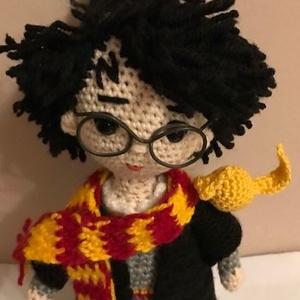 Harry Potter, Játék & Gyerek, Plüssállat & Játékfigura, Más figura, Horgolás, A Harry Potter filmsorozat alapján én a képen látható kis figura alakjában formáztam meg a szereplőt..., Meska