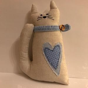 Kék szívecskés cica, Otthon & Lakás, Dekoráció, Dísztárgy, Varrás, \nA cica szerencsét hoz, ezért minden lakásban kell , hogy legyen egy cica.  A most készült cicák nem..., Meska