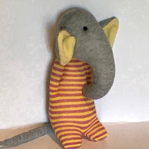 Csíkos inges elefánt, Játék & Gyerek, Plüssállat & Játékfigura, Elefánt, Varrás, Elefántot már sokféle módon készítettek. Én is megpróbálkoztam vele. Remélem, a kedves Vásárlóknak i..., Meska
