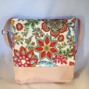 Tobzódó nyár virágos-bogaras-lepkés táska (kiseri) - Meska.hu