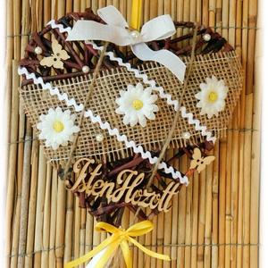 Fonott szív alakú tavaszi ajtódísz, Dekoráció, Otthon & lakás, Lakberendezés, Ajtódísz, kopogtató, Dísz, Fonás (csuhé, gyékény, stb.), Papírművészet, Papírfonással, aprólékos munkával készült szív alakú margarétás tavaszi ajtódísz. \n\nSzemélyes átvéte..., Meska