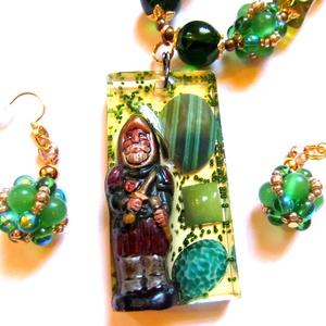 Smaragdok őrzője - szett AKCIÓ!, Ékszer, Ékszerszett, Nyaklánc, Ékszerkészítés, Gyöngyfűzés, gyöngyhímzés, \nIgazi mesebeli ékszerek, az antik, kézzel készült sakkfigurát egy régiségkereskedésben találtam, ma..., Meska