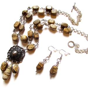Perzsa hercegnő - szett , Ékszer, Ékszerszett, Nyaklánc, Ékszerkészítés, \nA képjáspis kő gyöngyöket ezüstözött dróttal kereteztem. Antik medálrész.\n\nA kétsoros lánc hossza 5..., Meska