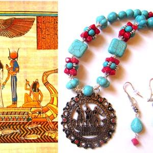 Nílus királynője - szett , Ékszer, Ékszerszett, Nyaklánc, Ékszerkészítés, Gyöngyfűzés, gyöngyhímzés, Az antik egyiptomi medál (70-es évek) a kedvenc régiségkereskedőmtől származik, Nefertiti hajóját áb..., Meska