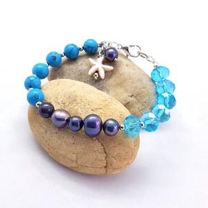 Kék tenger - igazgyöngy, türkiz, ásványkarkötő, kristályokkal, Bogyós karkötő, Karkötő, Ékszer, Ékszerkészítés, 8 mm-es türkiz gyöngyökből, 6 - 9 mm-es feket - lila édesvízi tenyésztett gyöngyökből, csillogó kék ..., Meska