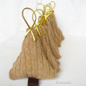 Beige pasztell kötött fenyőfa, karácsony, advent dísze. Téli ünnep dísze NEKED:) Barna, arany. (Kismanka) - Meska.hu