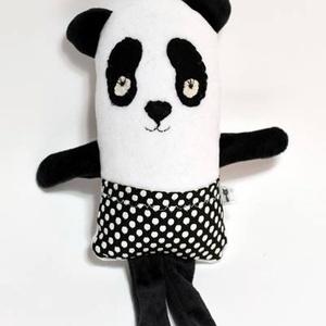 Amorf Panda, Maci, Plüssállat & Játékfigura, Játék & Gyerek, Varrás, Baba-és bábkészítés, Vicces panda figura bébiplüssből.\nKedves puha ölelgetni való figura. Pöttyös ruhája zseb, amibe egy ..., Meska