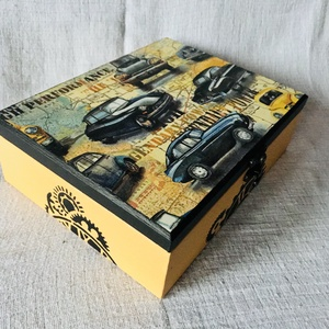 Vagány autós fiú/babadoboz (névre szóló is lehet!) - otthon & lakás - dekoráció - díszdoboz - Meska.hu