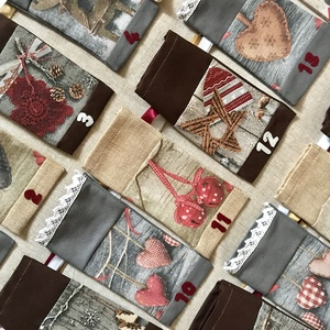 Textil adventi naptár, 24 db egyedi számozott zsák selyemszalaggal (KisoriGifts) - Meska.hu