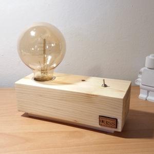 Fenyőfa lámpa Edison izzóval méhviasszal kezelve (KissDesignStudio) - Meska.hu