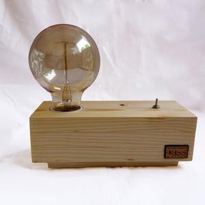 Fenyőfa lámpa Edison izzóval méhviasszal kezelve, Lakberendezés, Otthon & lakás, Lámpa, Asztali lámpa, Hangulatlámpa, Festett tárgyak, Famegmunkálás, Egyedi készítésű fa asztali, éjjeli design lámpa. Hangulatos megjelenésével, retro stílusával a napp..., Meska