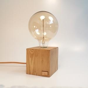 Kocka falámpa Edison izzóval, Lakberendezés, Otthon & lakás, Lámpa, Asztali lámpa, Hangulatlámpa, Festett tárgyak, Famegmunkálás, Egyedi készítésű kocka fa asztali, éjjeli design lámpa. Hangulatos megjelenésével, retro stílusával ..., Meska