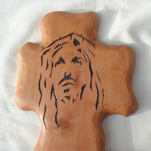 Kereszt újragondolva 2, Művészet, Szobor, Fa, Famegmunkálás, Vadkörtefa deszkából kézzel faragott és pirográfozott stilizált Krisztus arc, kereszt formán. Felüle..., Meska